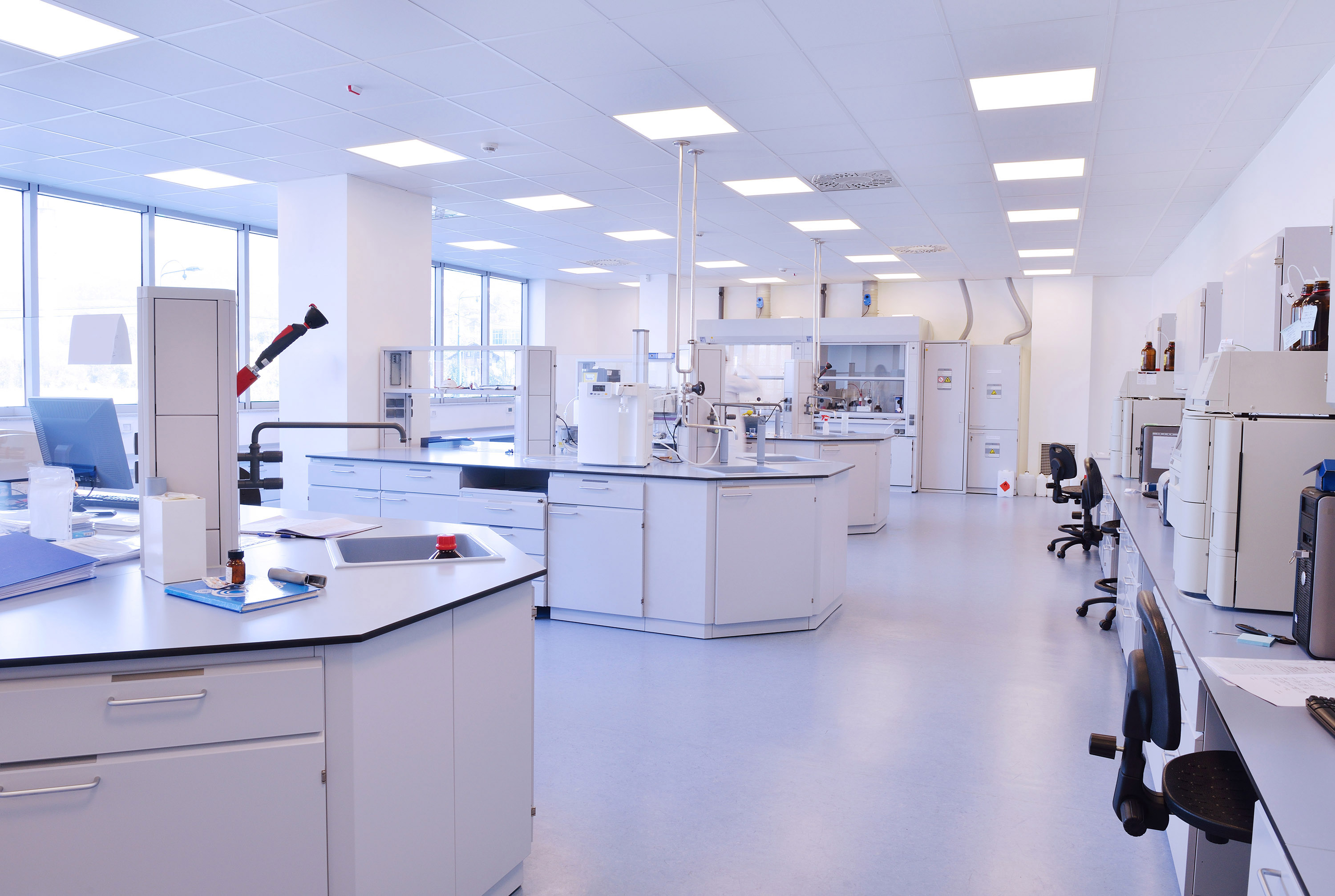 Caughlans Commercial Floor Covering - Resilient Tile Flooring in Hospital Lab